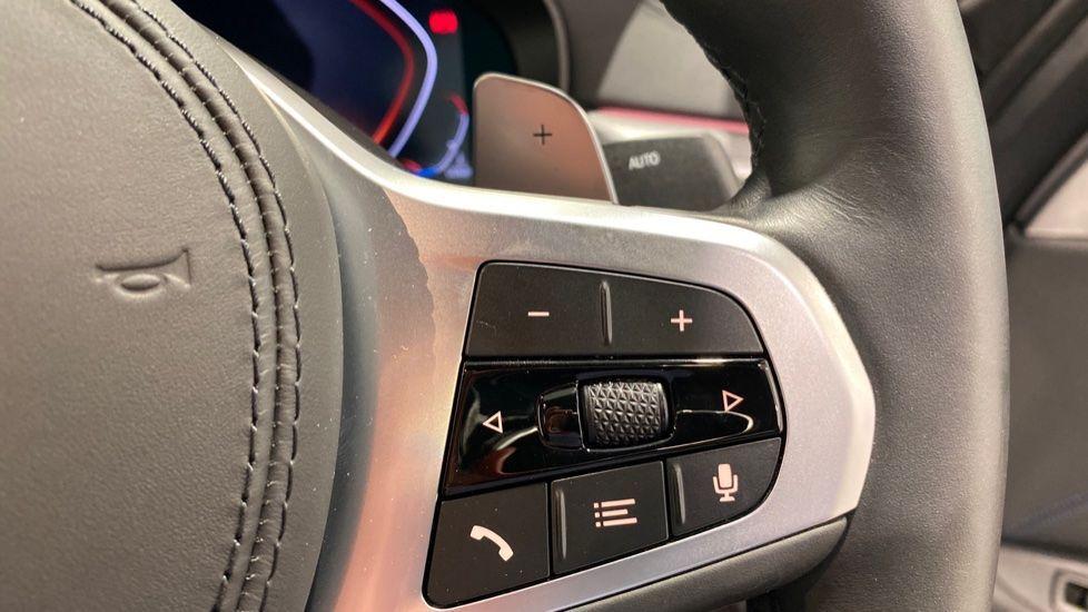 Image 9 - BMW 520d M Sport Saloon (YA69FKW)