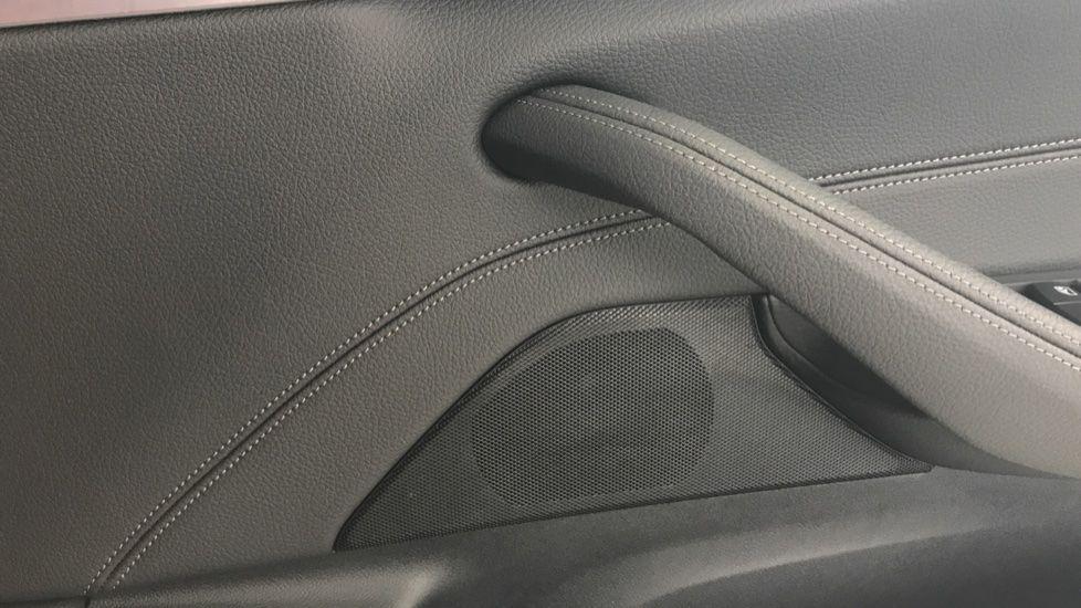 Image 20 - BMW 520d M Sport Touring (YL69UCE)