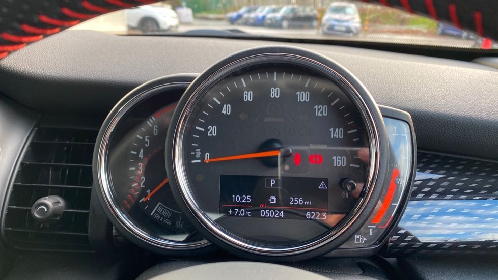 Image 9 - MINI Hatch (MW69OMX)