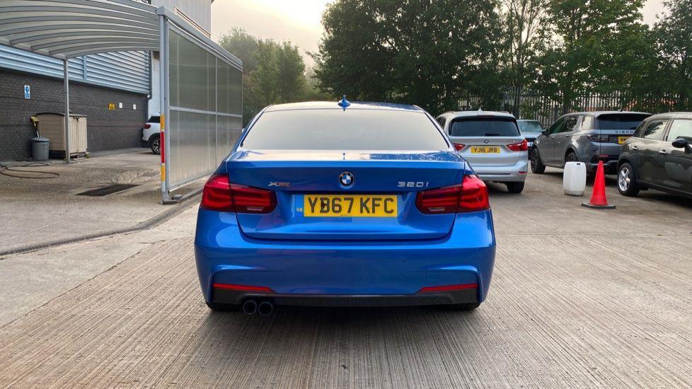 Image 15 - BMW 320i xDrive M Sport Shadow Edition Saloo (YB67KFC)