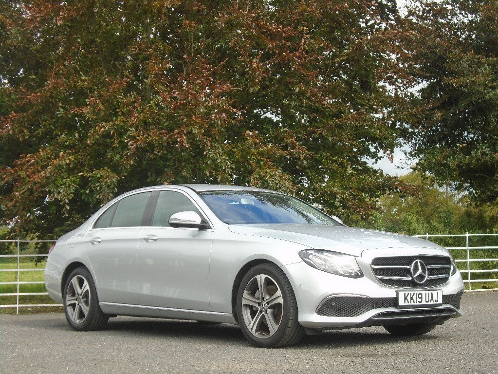Mercedes-Benz E-Class E220D SE AUTO // ONLY 11k MLS & AS NEW
