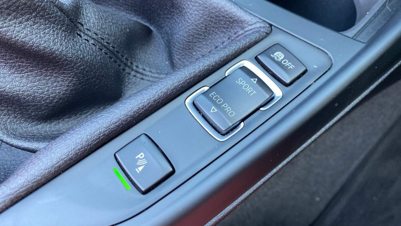 Image 19 - BMW 218d Sport Convertible (MJ17EAY)