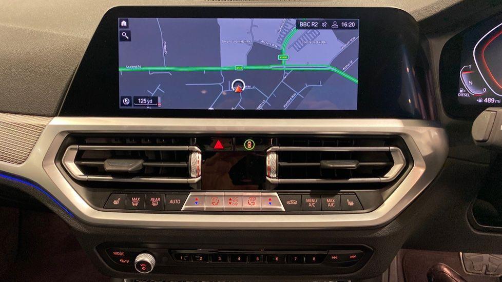 Image 5 - BMW 318d M Sport Saloon (YB69WNC)