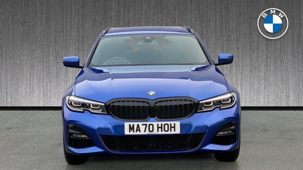 Image 16 - BMW 330e M Sport Touring (MA70HOH)