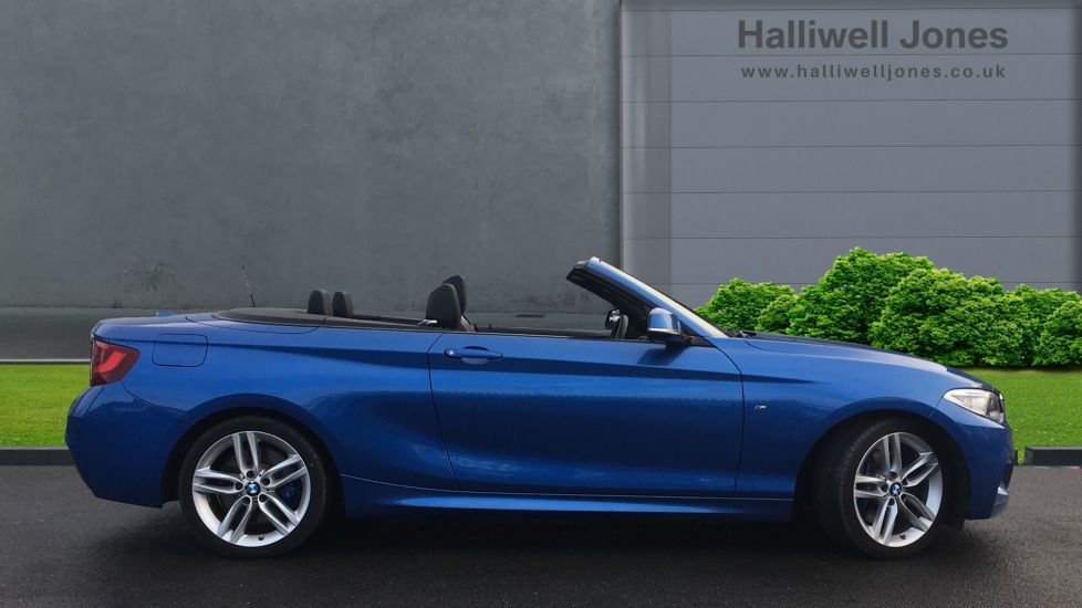 Image 3 - BMW 220i M Sport Convertible (LV65RKY)