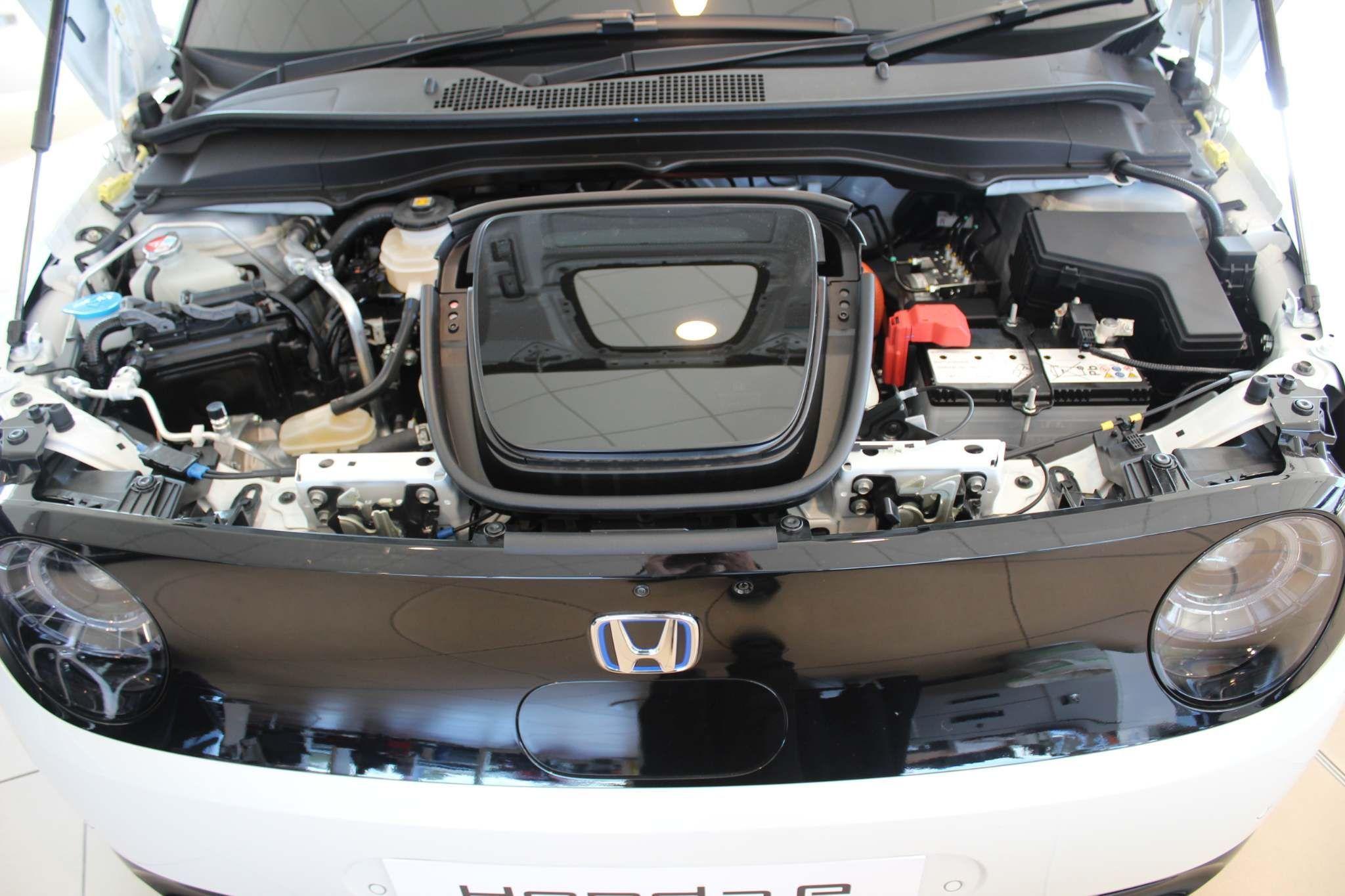 Honda Honda e Images