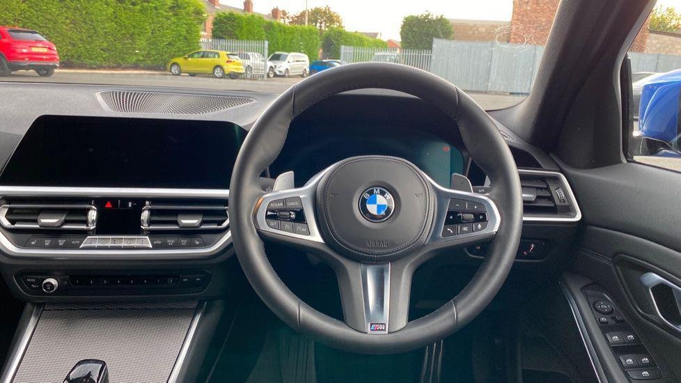 Image 8 - BMW 320d M Sport Saloon (YB69WNN)