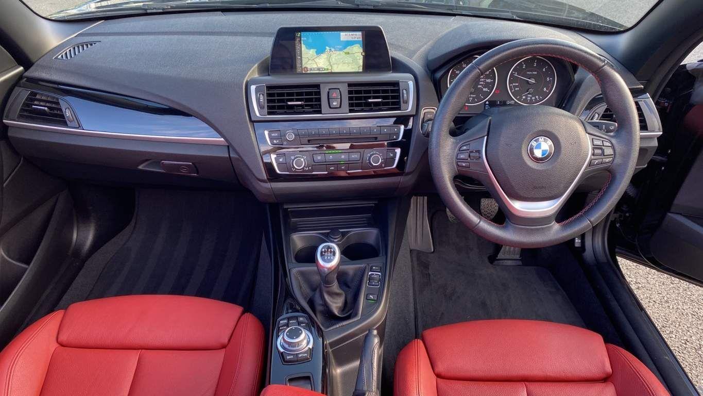 Image 4 - BMW 218d Sport Convertible (MJ17EAY)