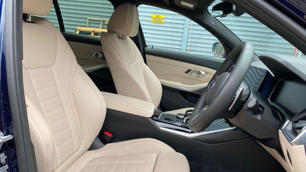 Image 11 - BMW 320d M Sport Pro Edition Saloon (MA20HPF)