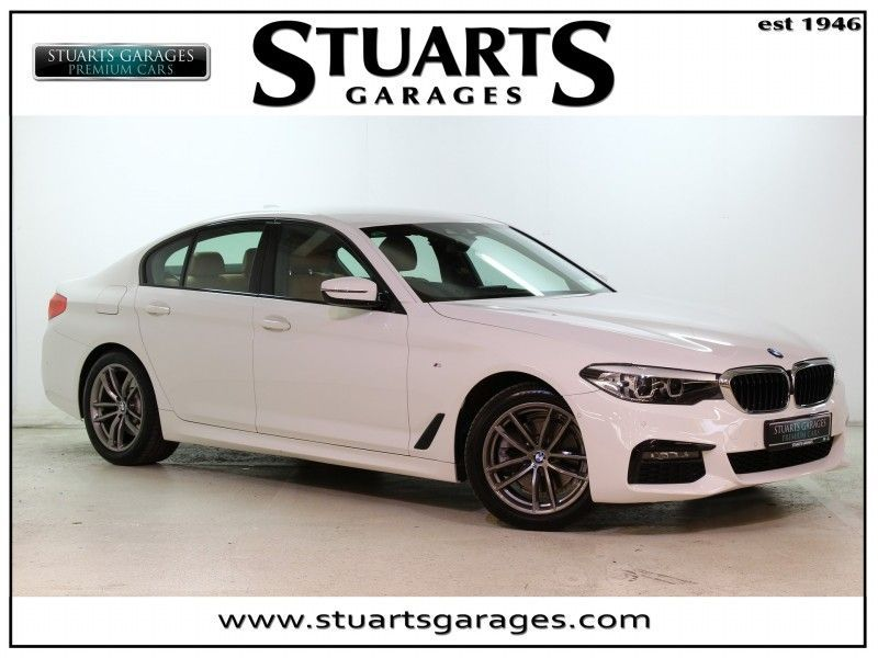 BMW 5 Series 520i M-SPORT **EXCEPTIONAL VALUE** ALPINE WHITE WITH COGNAC LEATHER, PRO NAV, FULL M-SPORT, HEATED SEATS, PDC, BLUETOOTH, AUDIO STREAMING