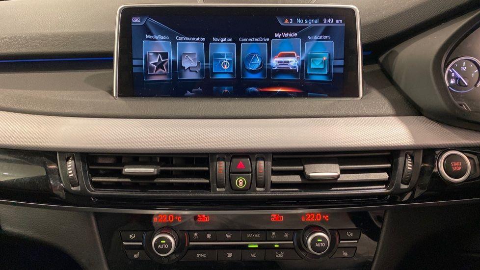 Image 5 - BMW xDrive40e M Sport (LG67FMY)