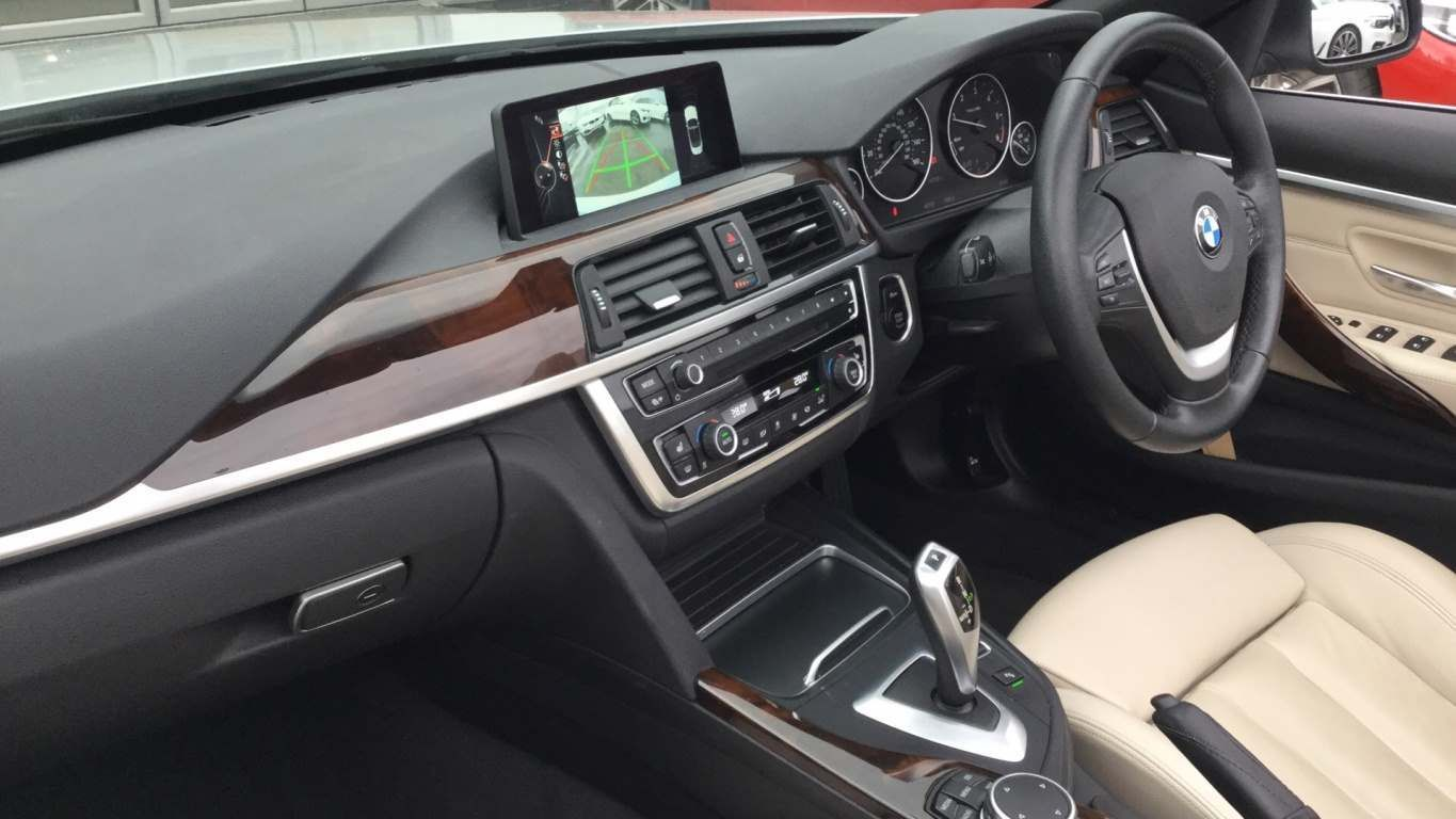 Image 7 - BMW 420d Luxury Convertible (ME16CJX)