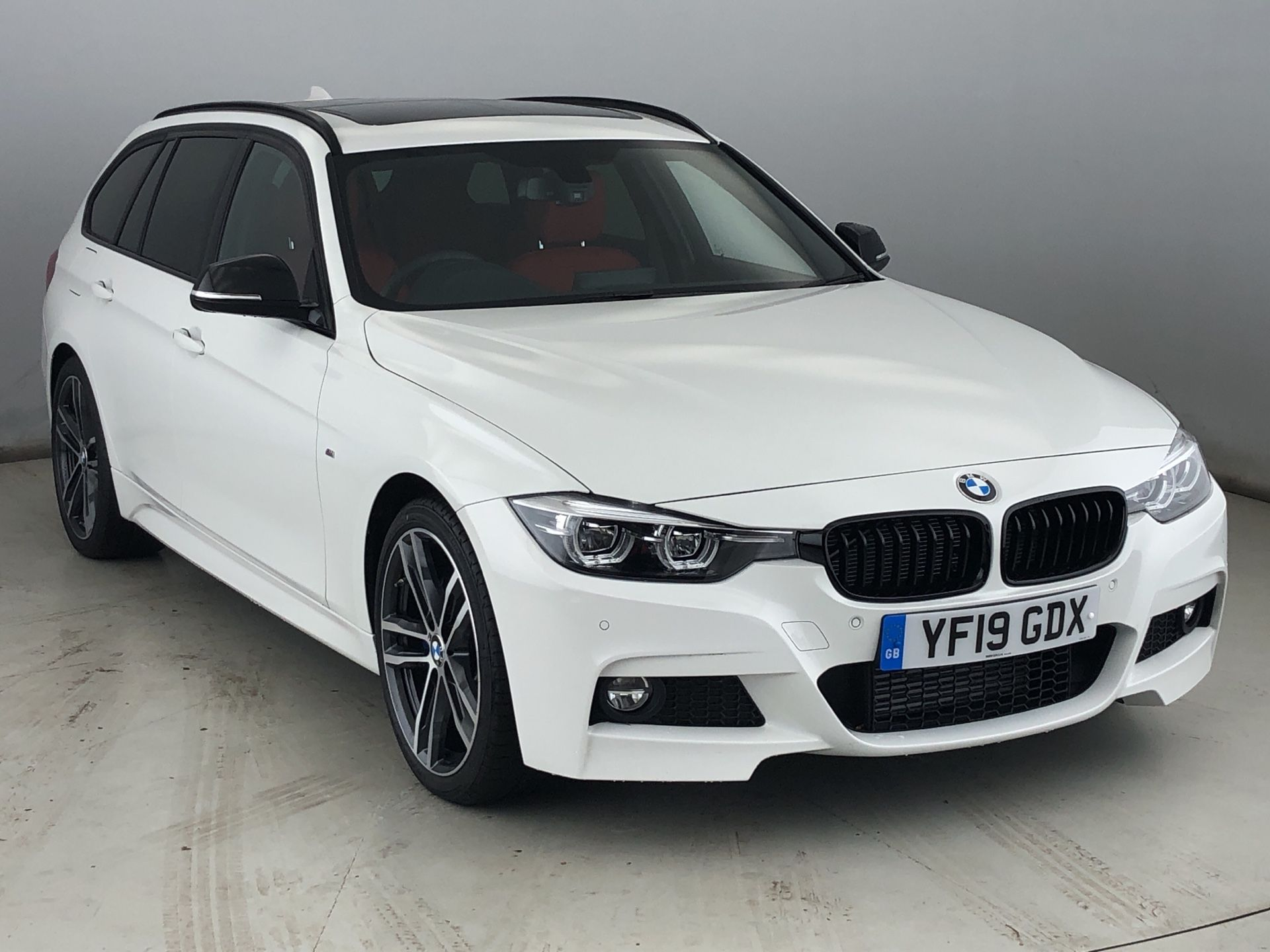 Image 1 - BMW 320d M Sport Shadow Edition Touring (YF19GDX)