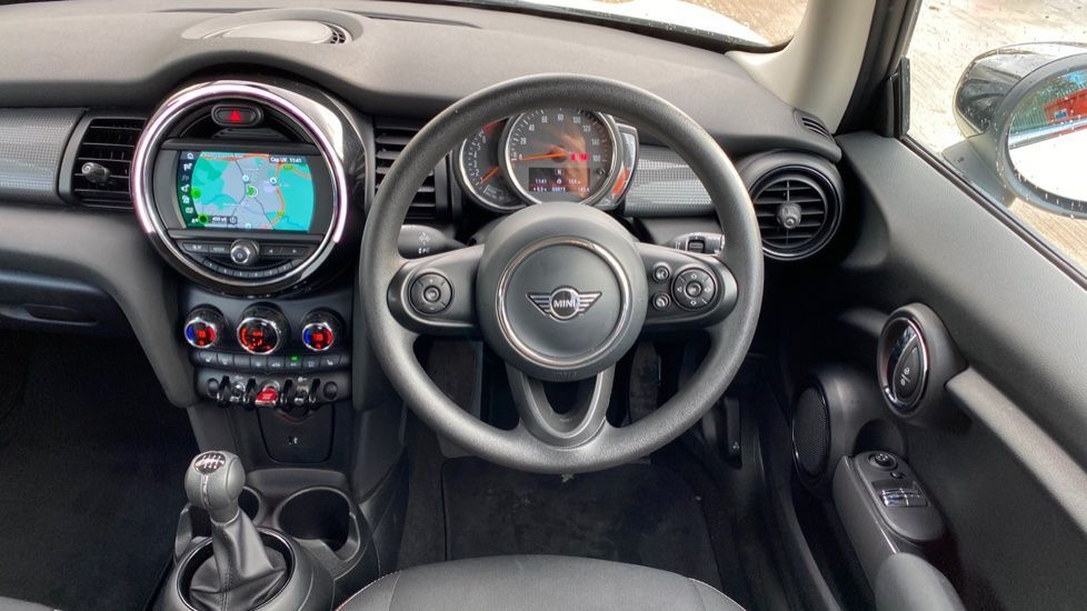 Image 8 - MINI Hatch (MX69WTM)