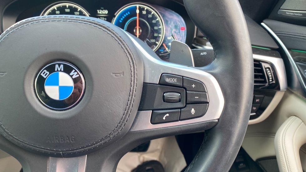 Image 18 - BMW 530e M Sport iPerformance Saloon (KE67DZL)