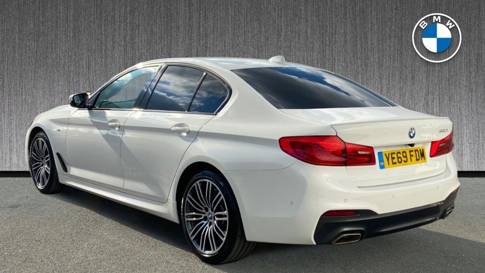 Image 2 - BMW 520i M Sport Saloon (YE69FDM)