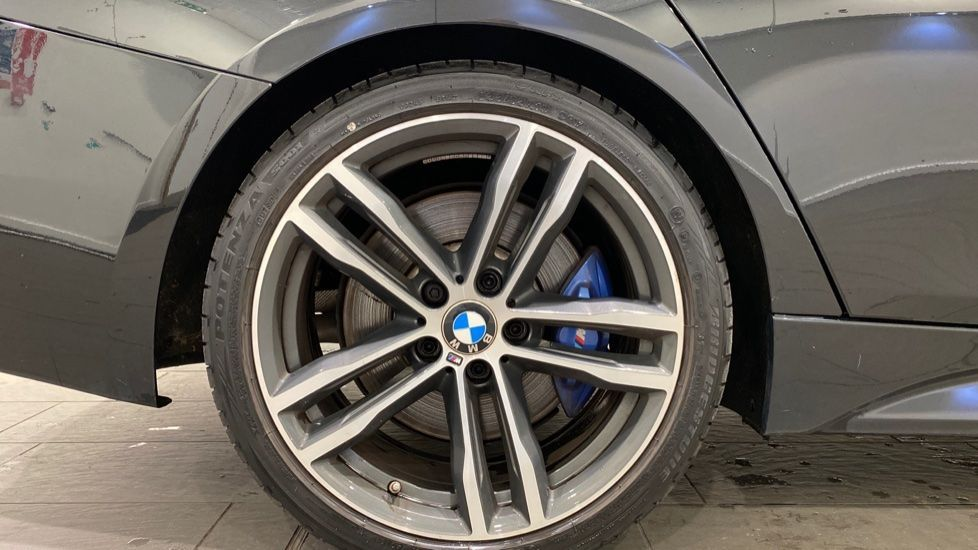 Image 14 - BMW 318d M Sport Shadow Edition Touring (YH19LVE)