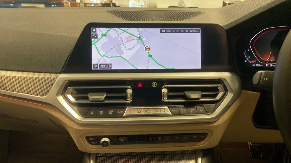 Image 7 - BMW 320i M Sport Touring (YG20JLV)