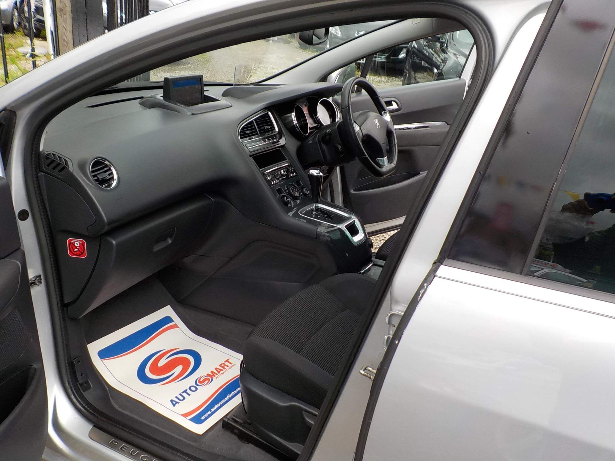 Peugeot 5008 2.0 HDi FAP Allure 5dr