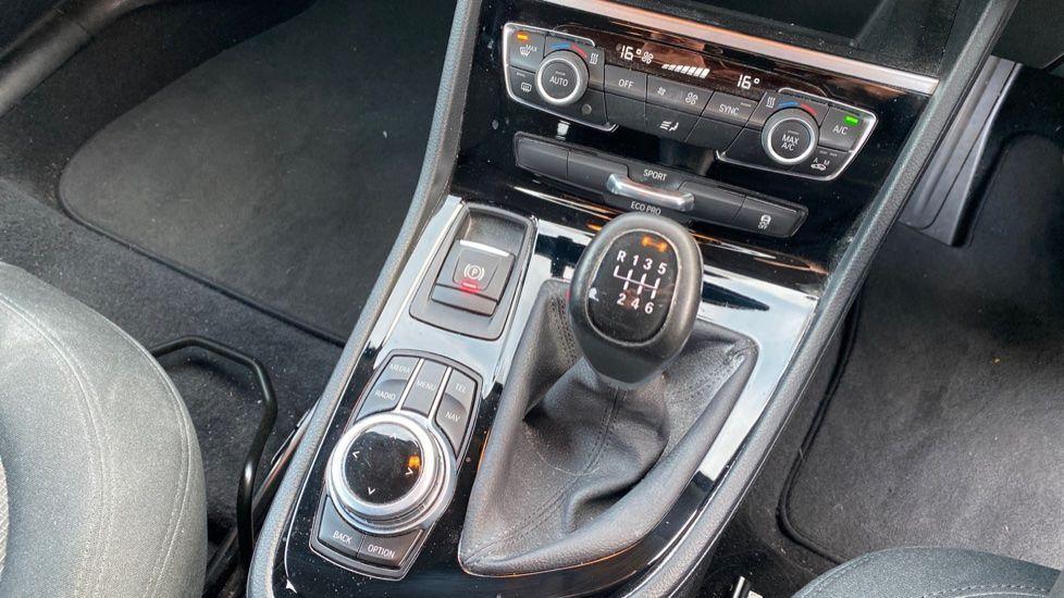 Image 10 - BMW 218i SE Active Tourer (DC66GVL)