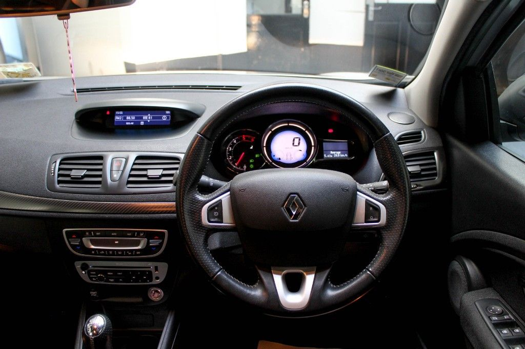 Used Renault Fluence DIESEL DYNAMIQUE ONLY 70KLMS , TAXED 06/21 NCT 05/22 (2014 (141))