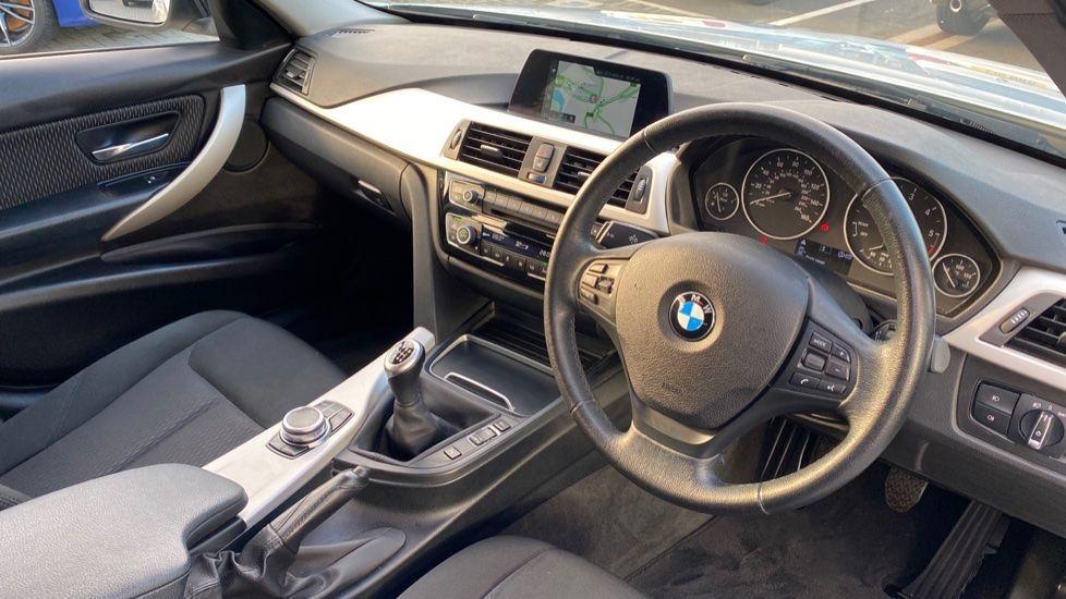 Image 5 - BMW 316d SE Touring (YA18UPK)
