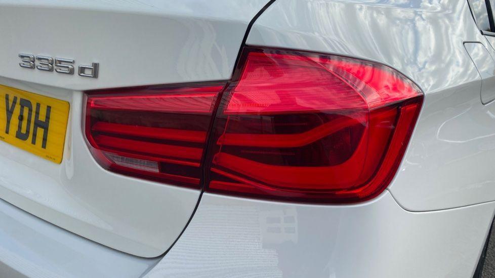 Image 22 - BMW 335d xDrive M Sport Saloon (MA17YDH)