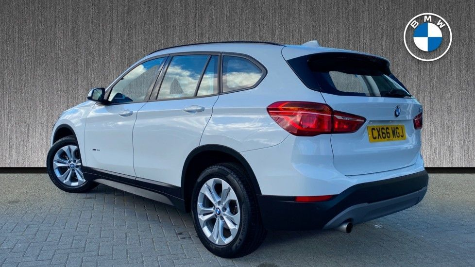 Image 2 - BMW sDrive18d SE (CX66WGJ)