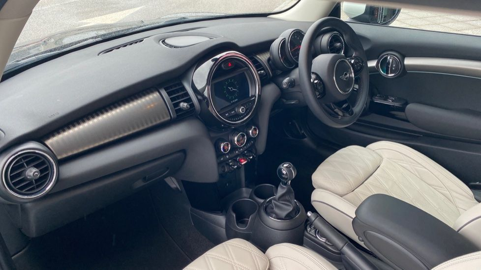 Image 6 - MINI Hatch (DK20KCE)