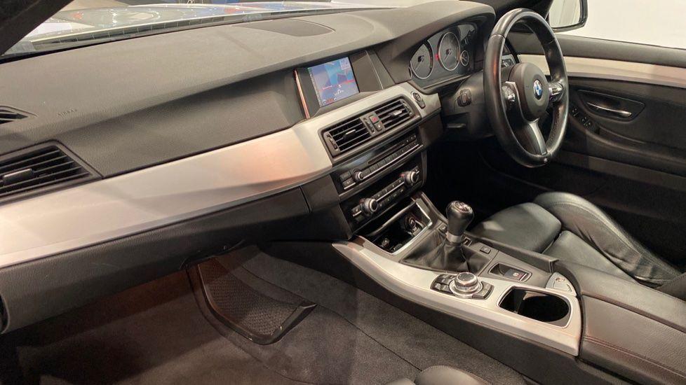 Image 11 - BMW 520d M Sport Touring (YB14MHK)
