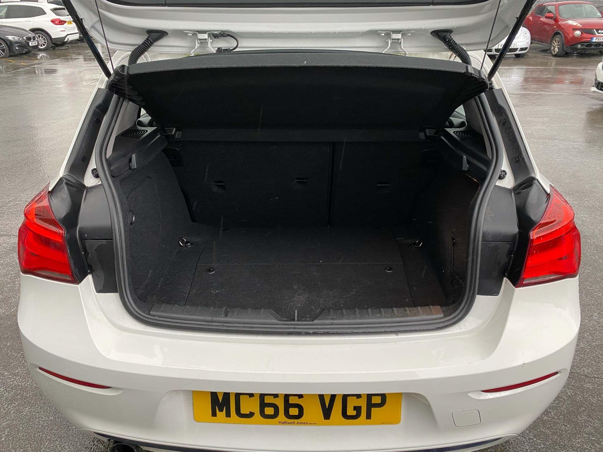 Image 5 - BMW 118i Sport 5-Door (MC66VGP)