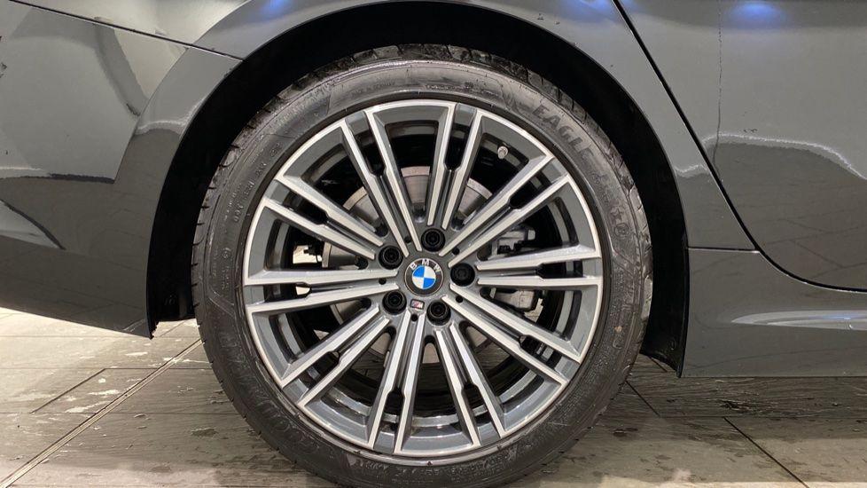 Image 14 - BMW 320i M Sport Saloon (YH20WGA)