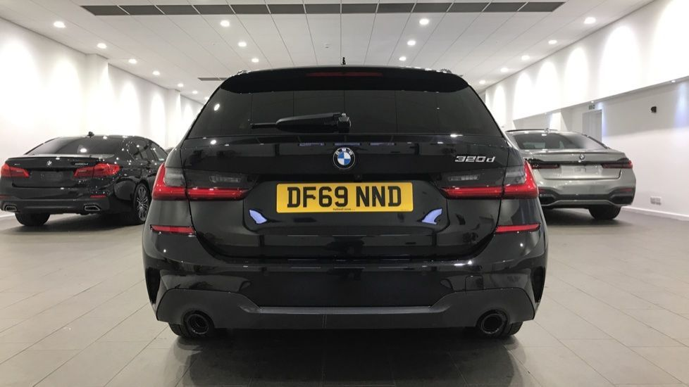 Image 15 - BMW 320d M Sport Touring (DF69NND)
