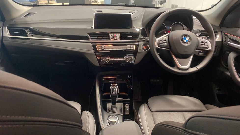 Image 4 - BMW sDrive18i Sport (YH20PYY)