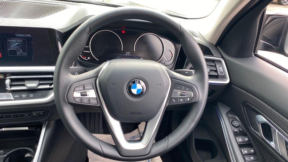Image 8 - BMW 320d SE Saloon (YJ69RSF)
