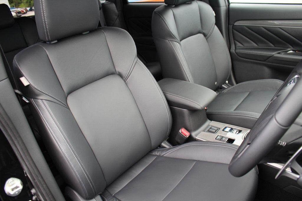 Mitsubishi Outlander 2.4 PHEV DYNAMIC 5DR CVT