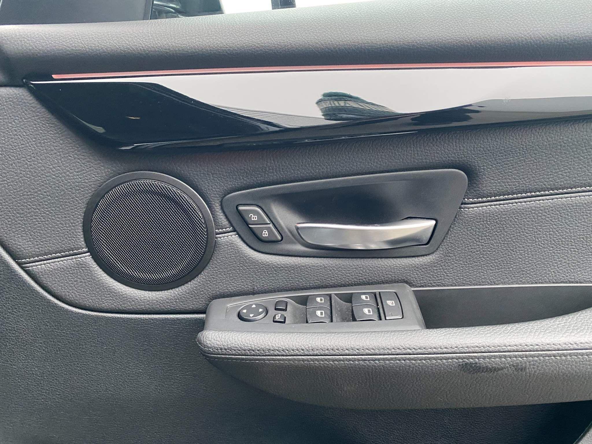 Image 10 - BMW 220d xDrive M Sport Active Tourer (DE67XPO)