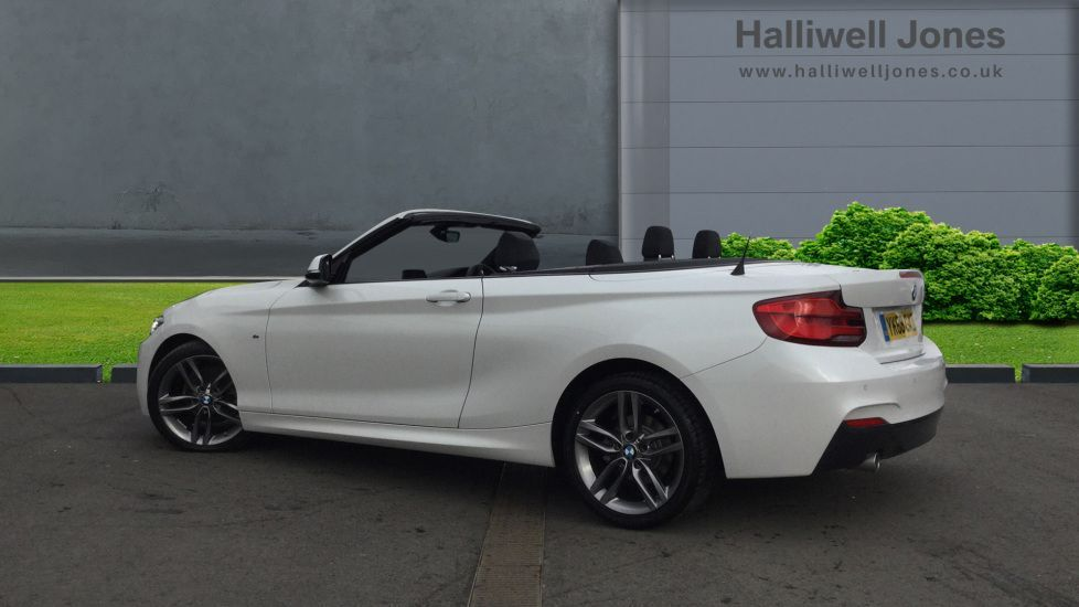Image 2 - BMW 218i M Sport Convertible (YK68CXD)
