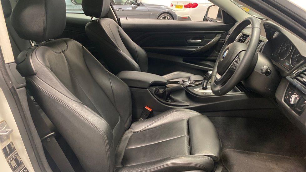 Image 11 - BMW 420i xDrive SE Coupe (PE17MVF)
