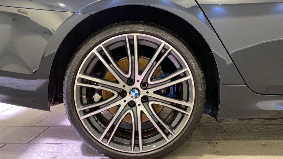 Image 14 - BMW 530e M Sport iPerformance Saloon (YD68YVA)