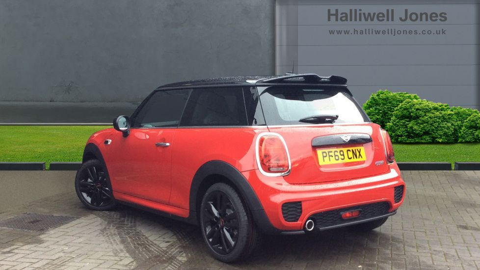 Image 2 - MINI Hatch (PF69CNX)
