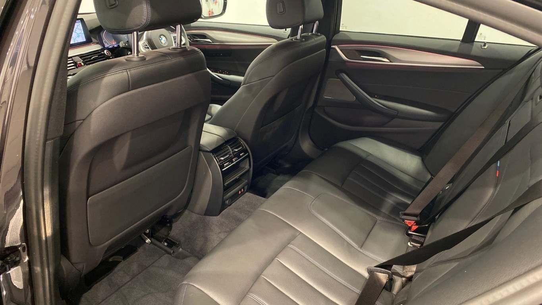 Image 28 - BMW 520d M Sport Saloon (YA69FKW)