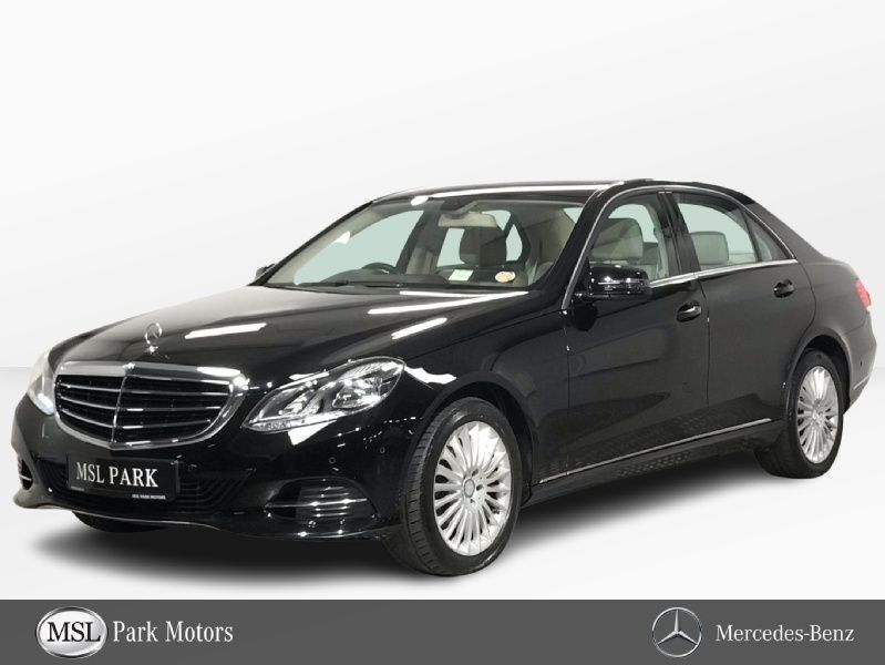 Mercedes-Benz E-Class 200 Elegance Automatic - 17 Inch Alloys Bluetooth phone - Front & Rear Parking Sensors - Climate Control - Cruise Control - Heated Seats