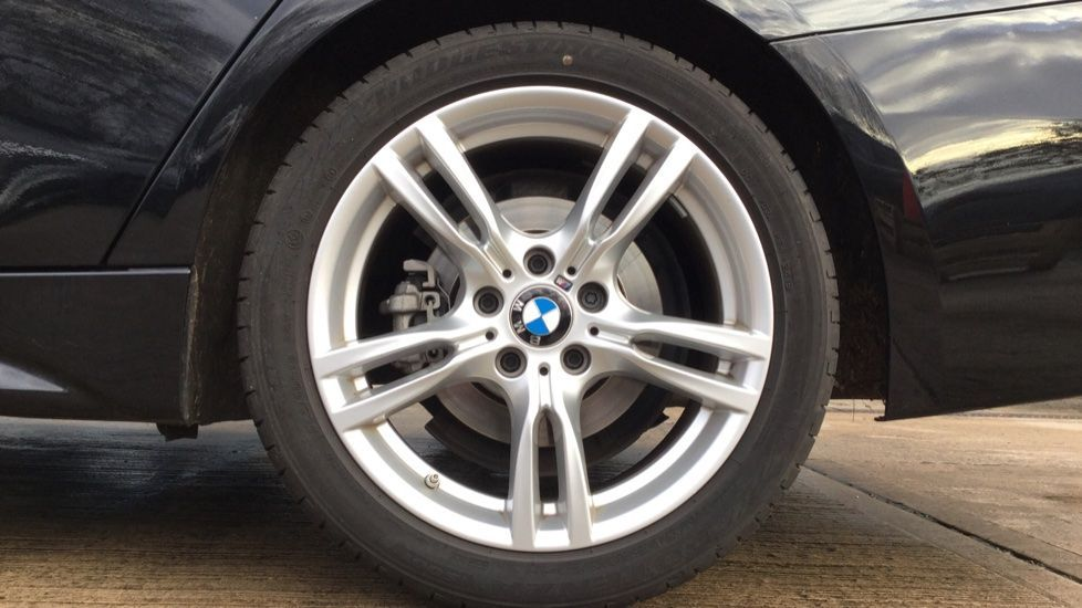 Image 4 - BMW 320d M Sport Saloon (MM68LDF)