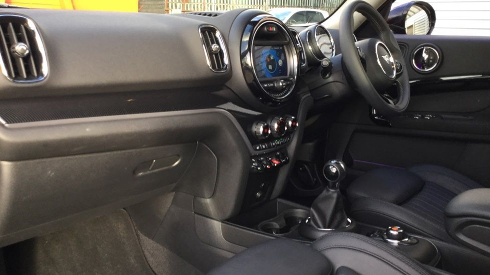 Image 5 - MINI Countryman (MP19XBH)