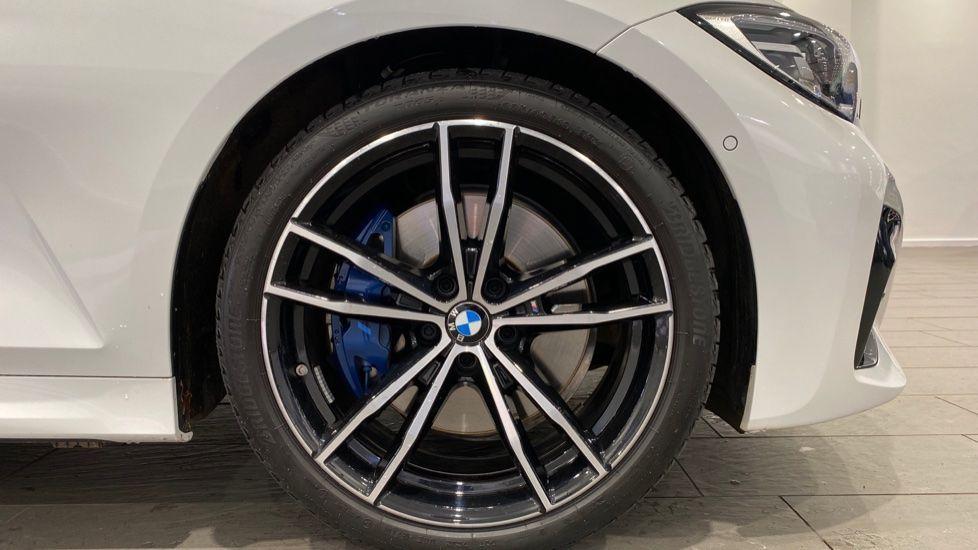 Image 14 - BMW 2.0 330i M Sport Touring Auto (s/s) 5dr (DA20OEK)