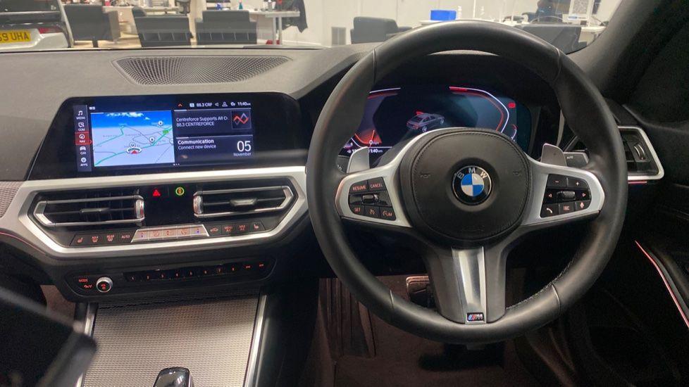 Image 8 - BMW 320i M Sport Saloon (YG20LFU)