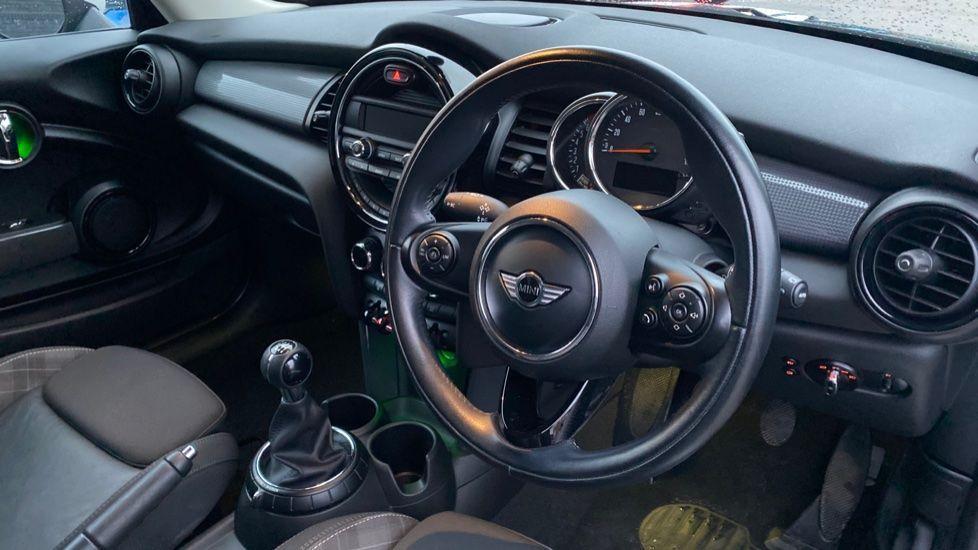 Image 6 - MINI Hatch (WD16VGX)