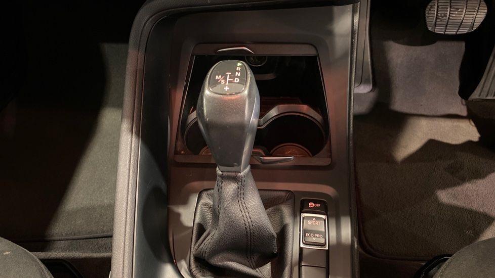 Image 6 - BMW xDrive18d SE (LR67YKY)