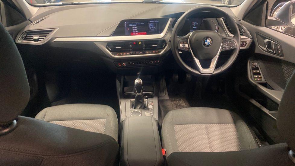 Image 4 - BMW 116d SE (YC69DVK)